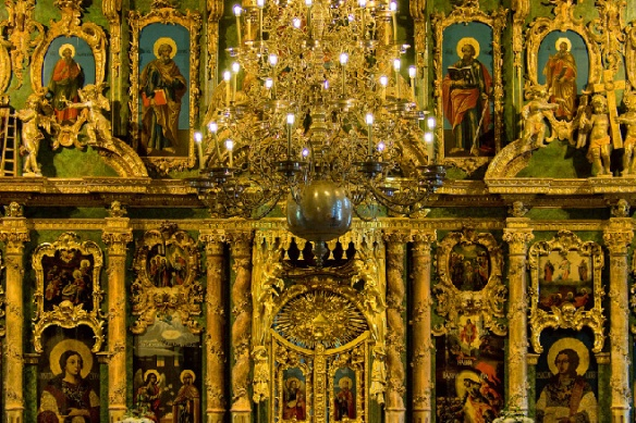 iconostasis-in-st-sampson-cathedral-in-st-petersburg